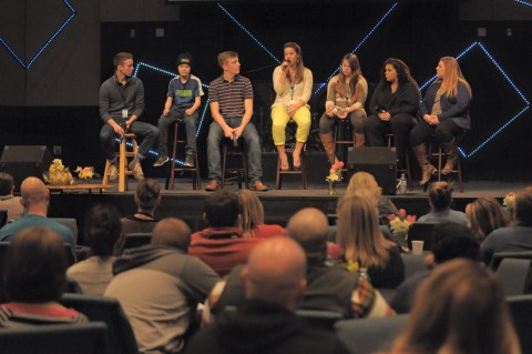 Three of the Qualls clan on a sibling panel at Refresh.